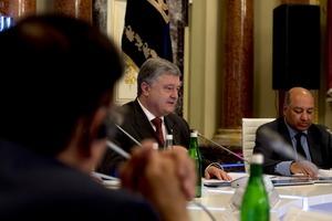 Встановити мир і підняти економіку: Порошенко заговорив передвиборними обіцянками