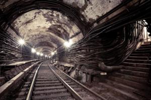 В Киеве к новым выборам снова пообещали построить метро на Троещину. Кто верит в старую сказку?