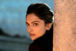 Радикалы предлагают за голову индийской актрисы $1,5 млн
