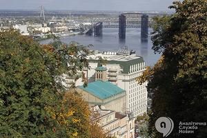 Передвижная эколаборатория или новая спортплощадка. Решите, куда потратить общественные 100 миллионов в Киеве!