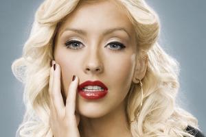 Неузнаваемая: Кристина Агилера показала, как выглядит без макияжа