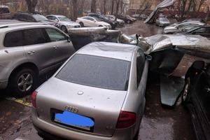 Мощный ураган накрыл Москву, сообщают о погибших и раненых