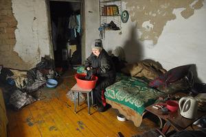 Жители Донецка меняют вещи на еду
