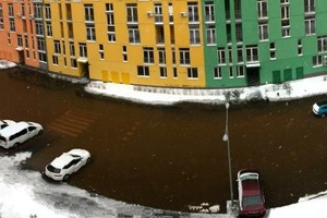 Вместо машин нужны лодки: в Киеве из-за прорыва трубы затопило новый ЖК