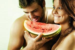 Почему диетологи советуют мужчинам есть арбузы с семечками