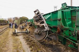 НП в Києві: зійшов з рейок вантажний потяг