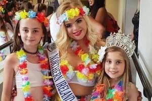 В Британии модель с синдромом Дауна выиграла конкурс красоты