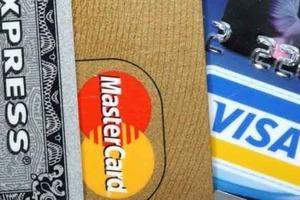 В РФ банки призвали подготовиться к отключению от Visa и Mastercard