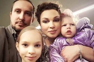 Співак Данко відмовився платити аліменти хворій на ДЦП доньці