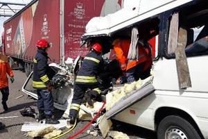 Второе за сутки кровавое ДТП с микроавтобусом: 10 погибших, 10 раненых