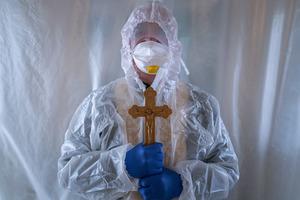 Коронавірусние антирекорди України: за добу виявлено понад 22 тисяч заражених, 546 хворих COVID-19 померли