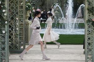 50 оттенков розового. Неделю моды в Париже открыла потрясающая коллекция Chanel