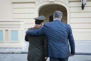 Степан Полторак уволен из армии. Кто теперь руководит Минобороны