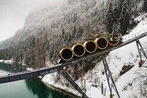 Самый быстрый в мире горный подъемник заработал в Швейцарии