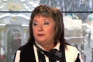 В подарок к 9 мая: Националисты облили кефиром Наталью Витренко