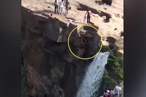 П'яний турист поліз освіжитися під водоспадом, і вбився з величезної висоти (відео 18+)