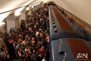 Киевсовет переименовал название станции метро Петровка и всей синей ветки