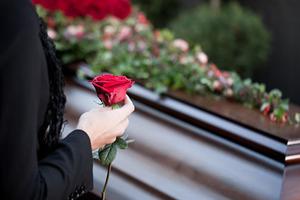 В Аргентині зупинили похорон через дивні звуків з труни