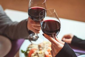 Експерти виявили зв'язок між спиртним і онкологією