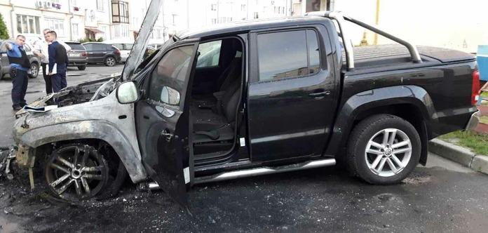 ВЛуцке подожгли автомобиль семьи народного депутата