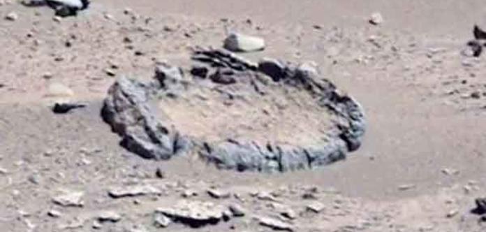 Марсоход Curiosity отметил наМарсе оптимальный каменный круг