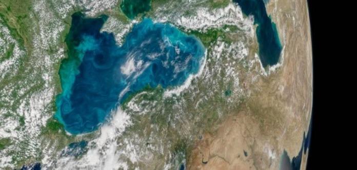 Бирюзовое чудо: как выглядит Черное море изкосмоса