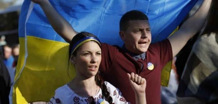 РЕЗУЛЬТАТИ ОПИТУВАННЯ: 51% українців не підтримують візовий режим зРосією