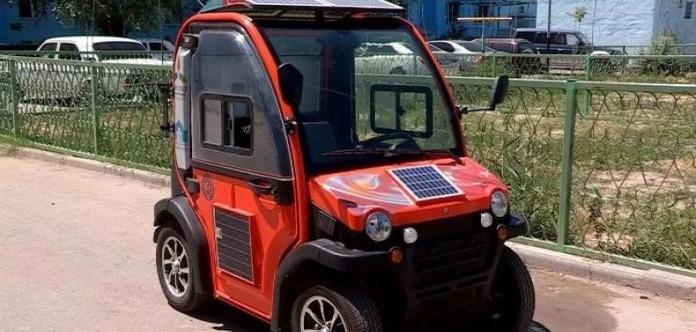 Казахстанский электромобиль стоит 200 долларов изаряжается отСолнца
