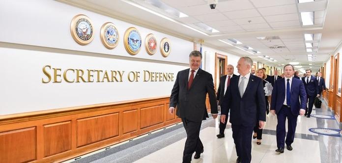 Порошенко в США провел встречу с главой Пентагона