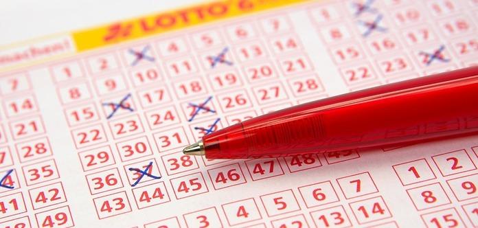 Австралийская семья едва не выбросила лотерейный билет с выигрышем $700 тыс