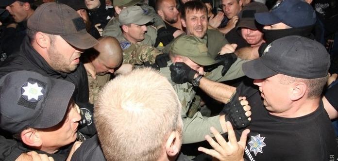 Националисты «Правого сектора» сорвали концерт Лободы вОдессе