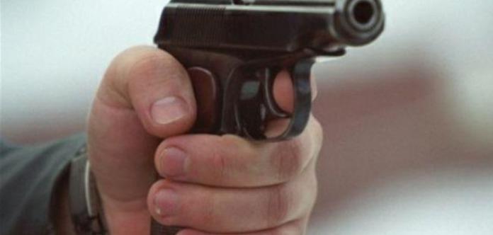 ВКиеве около супермаркета расстреляли мужчину
