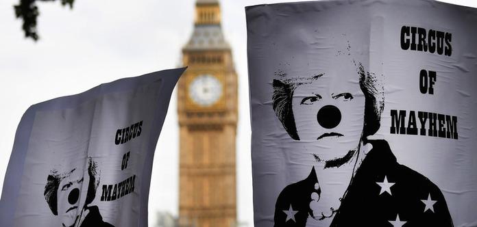 «Ниднем больше»: Лондон требует отставки Терезы Мэй