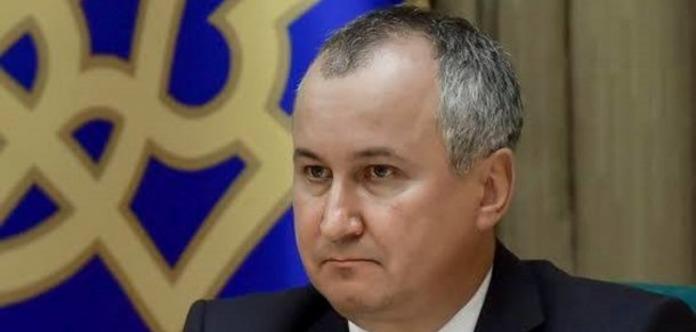 Руководитель СБУ объявил, что возьмет автомат ипоедет воевать вДонбасс