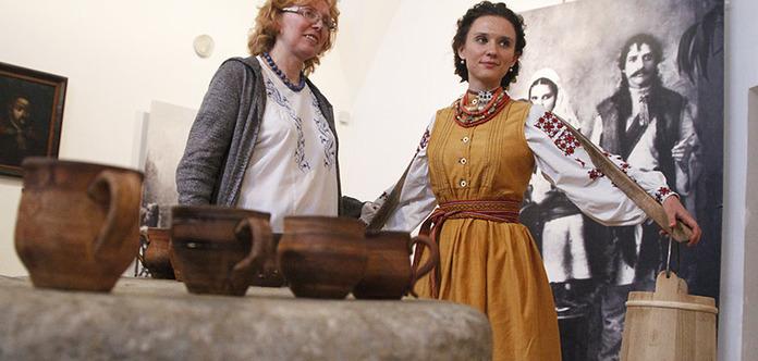 Експонати у музеї ім. Гончара ожили й заспівали
