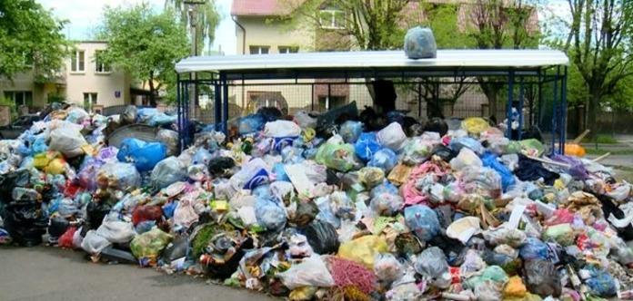 Міськрада: УЛьвові сміття невивезено з25% майданчиків