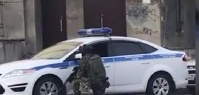 Опубликовано видео с места нападения на здание ФСБ в РФ