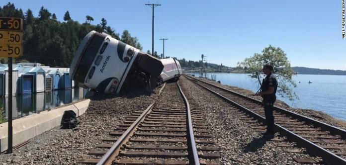 Вамериканському штаті Вашингтон зійшов зрейок пасажирський потяг