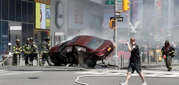 ДТП в Нью-Йорке: виновник аварии признался, что «слышал голоса»