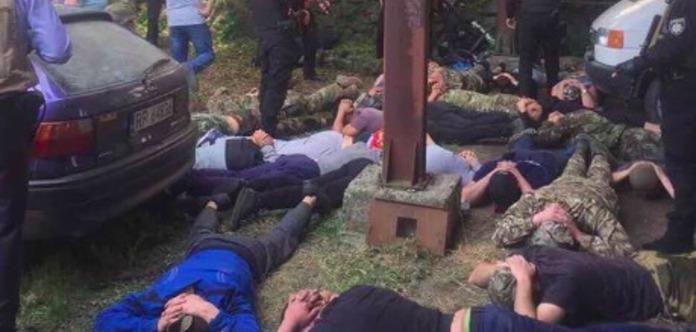 Ввинницком селе назернотоку стреляли мужчины вбалаклавах— Бои заземлю