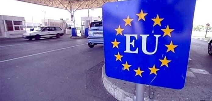 Вже майже 9 тис. українців в'їхали в ЄС без віз