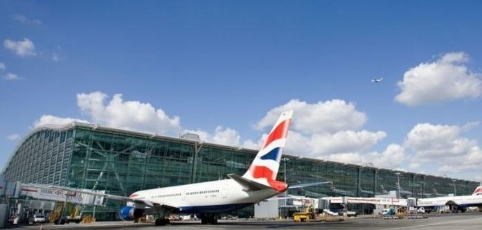 British Airways відновила роботу зарозкладом після збою