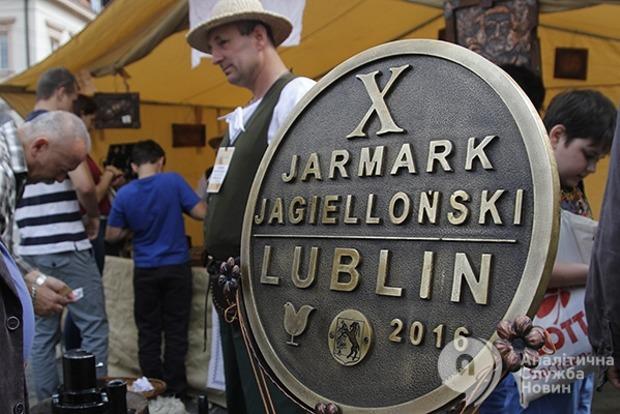 Ягеллонская ярмарка: курица по-люблински с украинской приправой