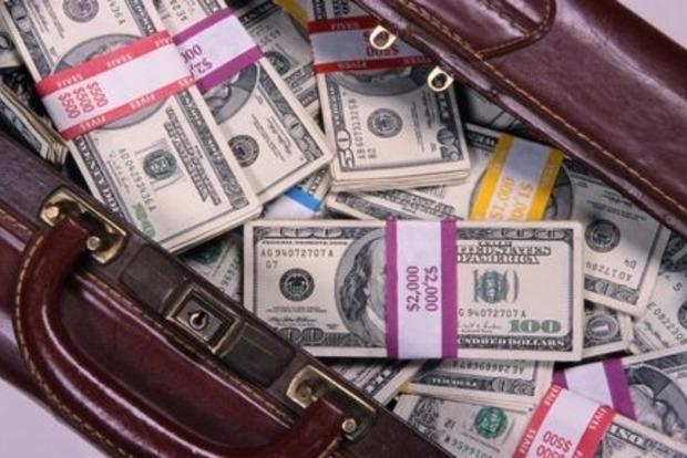 НБУ упростил для физлиц порядок перемещения наличной валюты через границу
