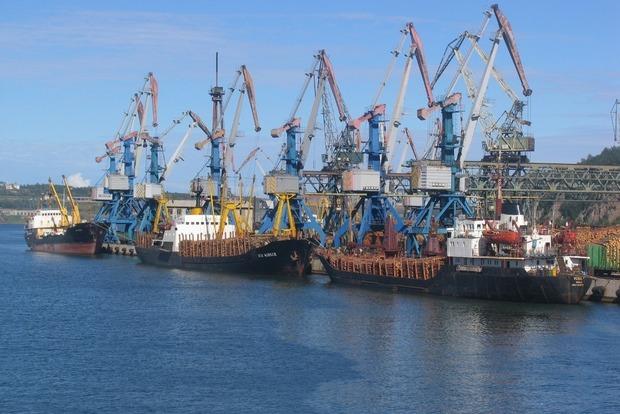 В АМПУ планируются чистки: министра инфраструктуры возмутили зарплаты в 200 тыс. грн