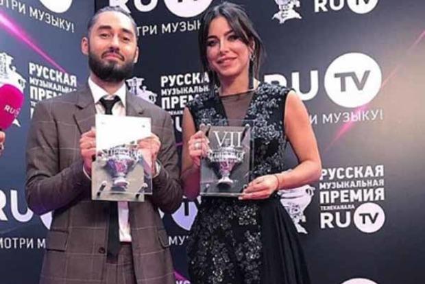 Ани Лорак похвасталась полученной в РФ наградой