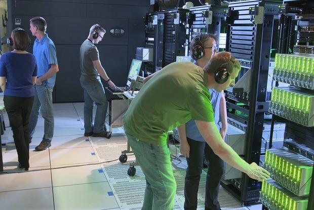 В США создали компьютер с рекордной памятью в 160 терабайт