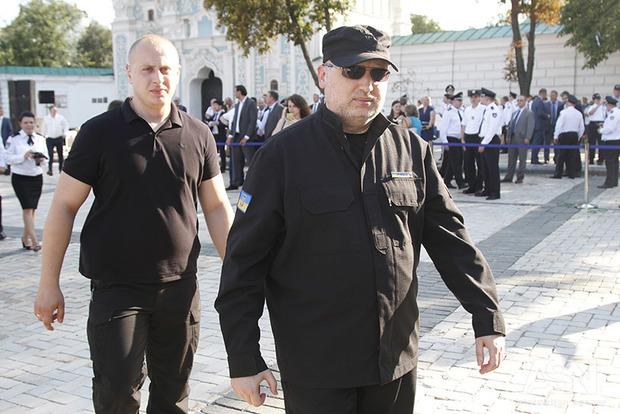 Турчинов не поедет в Брюссель из-за обстановки в Украине