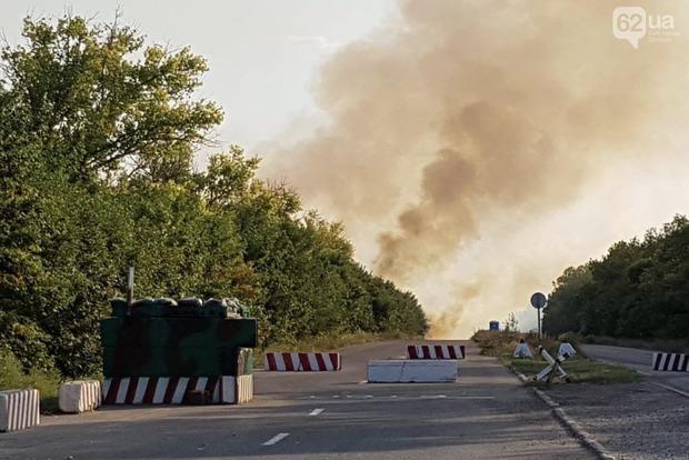 Возле КПВВ «Новотроицкое» продолжаются взрывы