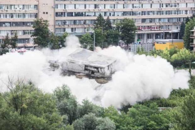 В центре Харькова взорвали пятиэтажное здание